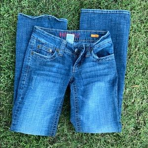 Hydraulic Jeans - Hydraulic jeans distressed with rear pocket detail